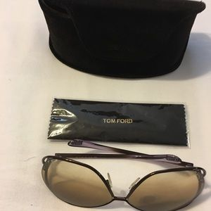 Tom Ford sun shade glasses woman